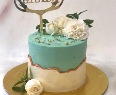 Fault Line Floral Cake Designs, Images, Price Near Me