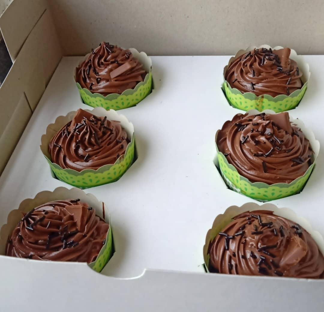 Chocolate Cupcakes (6 Pcs) Designs, Images, Price Near Me
