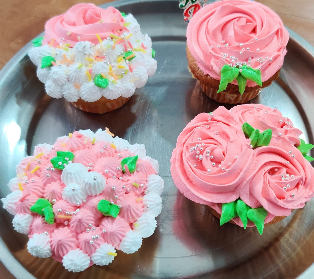 Strawberry Cupcakes (pack of 4) Designs, Images, Price Near Me