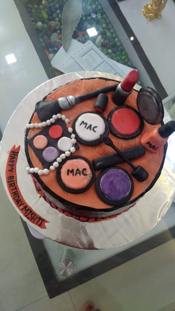 Makeup Theme Cake Designs, Images, Price Near Me