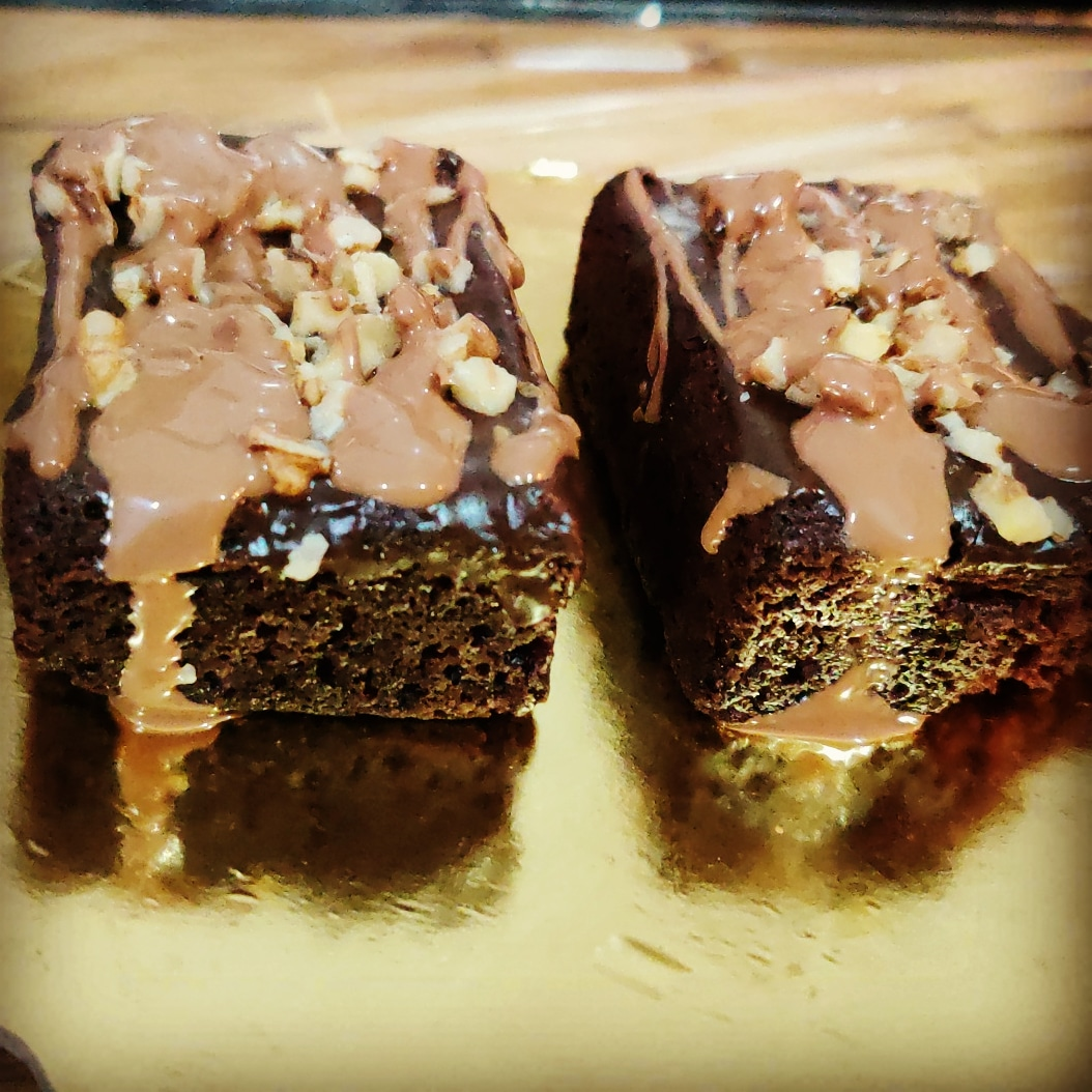 Walnut Brownies with Choco Sauce(pack of 2) Designs, Images, Price Near Me