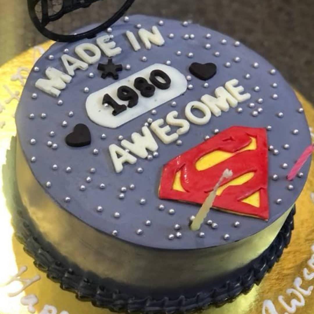 SuperMan Theme Cake Designs, Images, Price Near Me