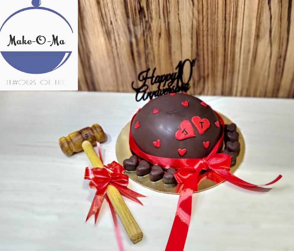 Half Dome Pinata Cake Designs, Images, Price Near Me