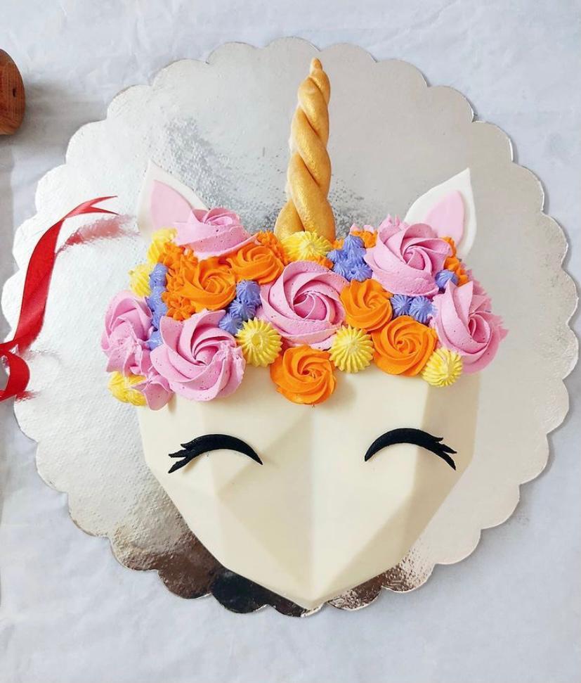 Unicorn 🦄 Pinata Cake Designs, Images, Price Near Me
