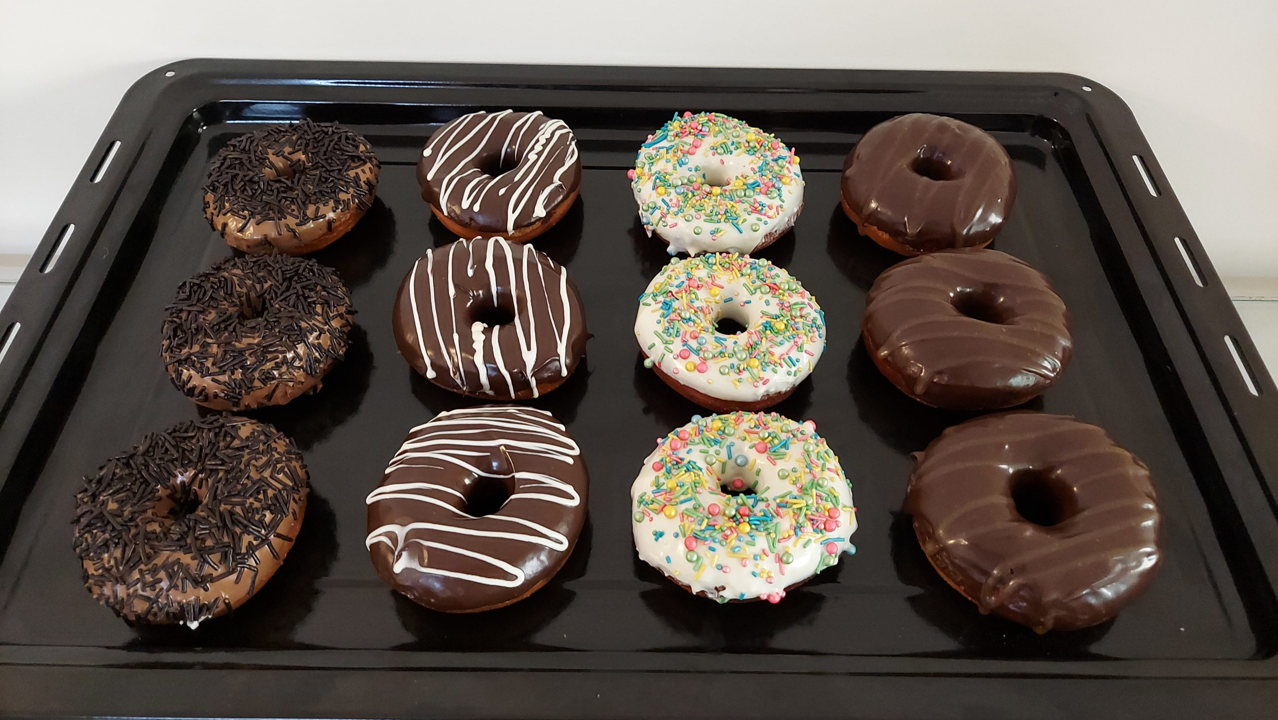 Donuts (4 pieces) Designs, Images, Price Near Me