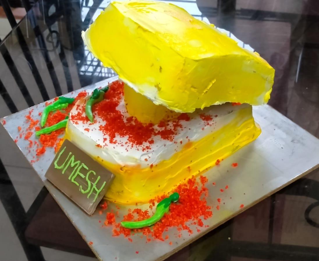 Vadapaav Theme Cake Designs, Images, Price Near Me
