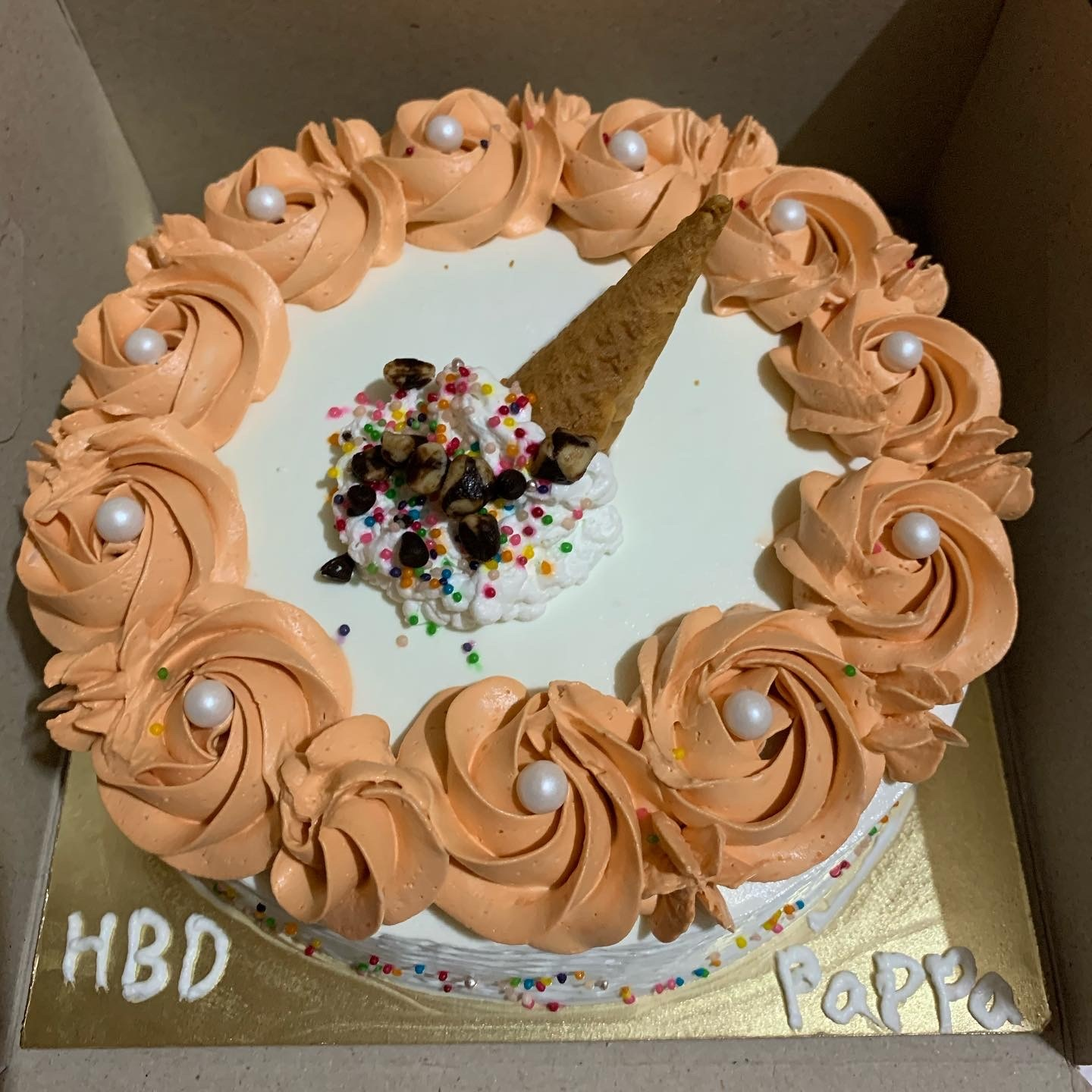 American Ice Cream With Nuts Cake Designs, Images, Price Near Me